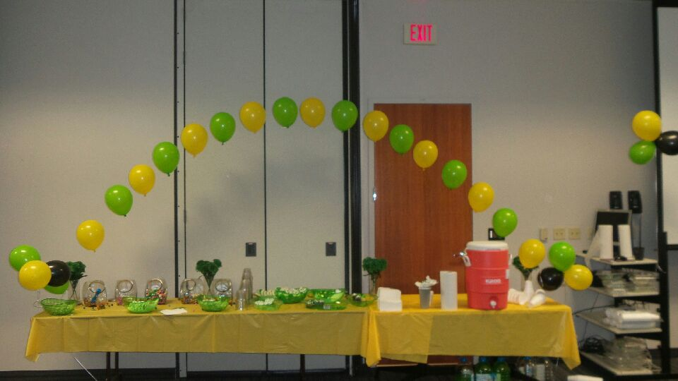 Arches oracle balloon decor for Balloon decoration color combinations